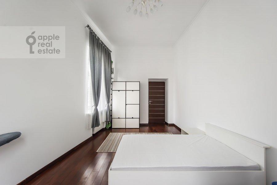 Спальня в 5-комнатной квартире по адресу Каковинский Малый пер. 1/8с2
