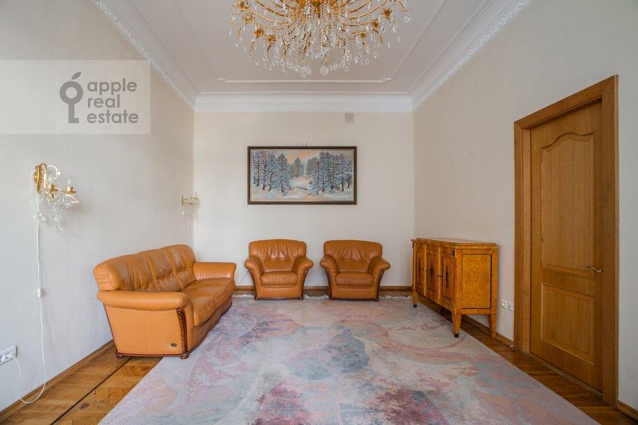 Гостиная в 5-комнатной квартире по адресу Скатертный пер. 22