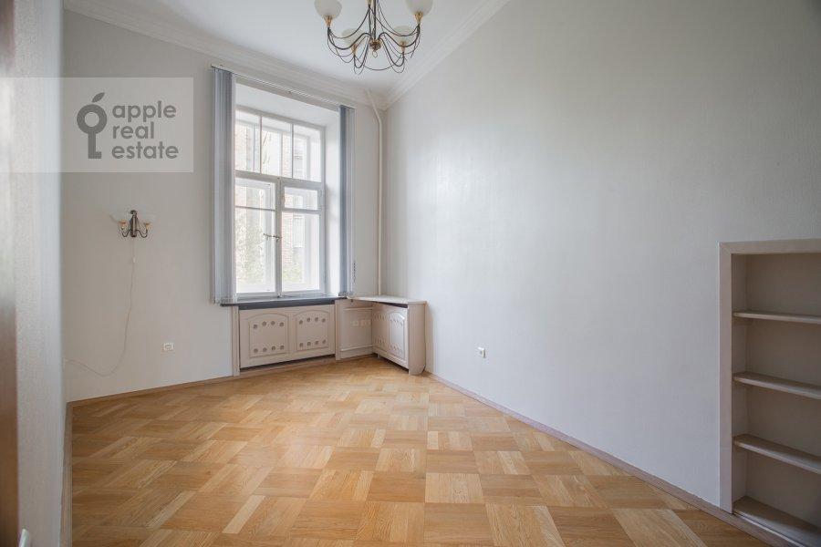Детская комната / Кабинет в 5-комнатной квартире по адресу Скатертный пер. 22