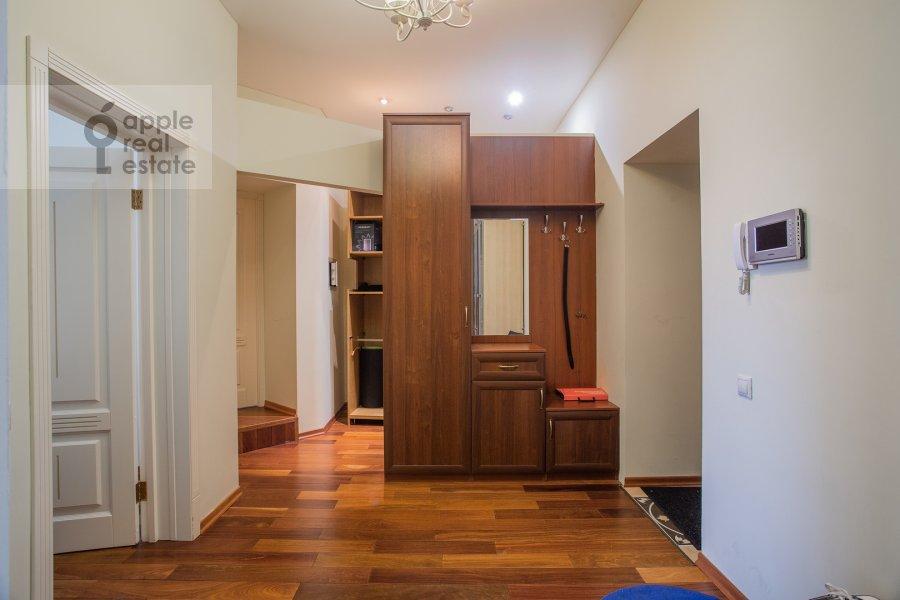 Corridor of the 3-room apartment at Arbat 51s1