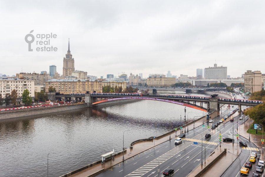 Вид из окна в 2-комнатной квартире по адресу Смоленская ул. 10