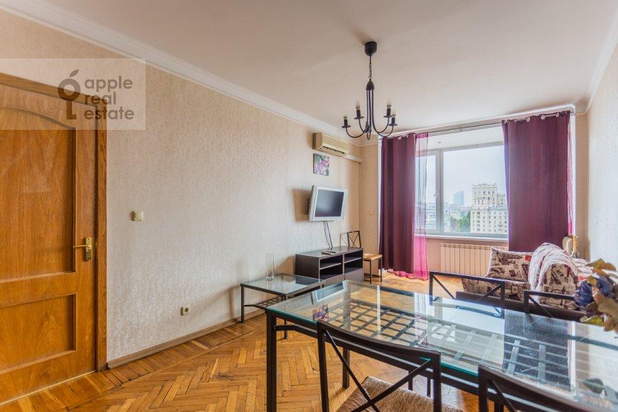 Гостиная в 2-комнатной квартире по адресу Смоленская ул. 10