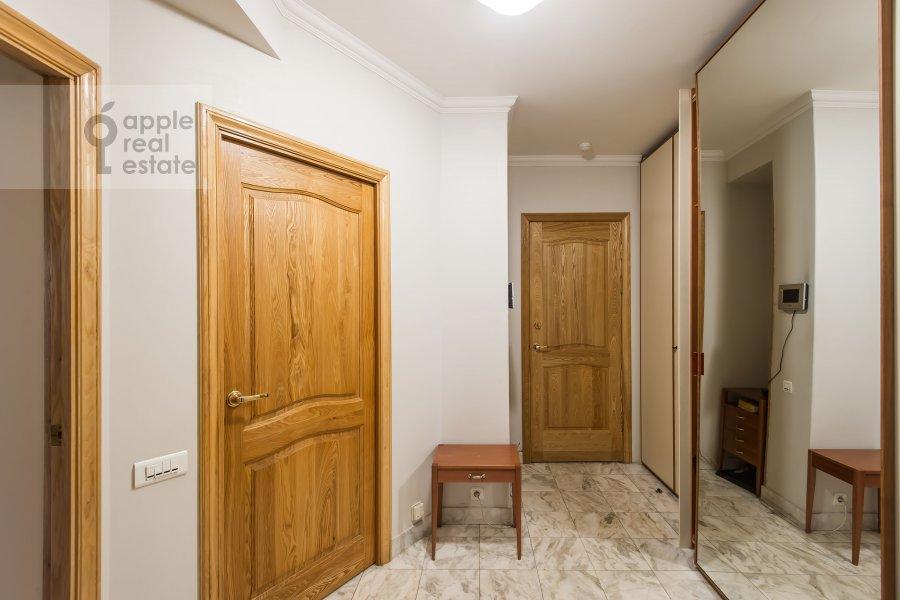 Коридор в 4-комнатной квартире по адресу Зоологическая ул. 2