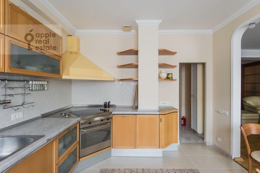 Кухня в 4-комнатной квартире по адресу Зоологическая ул. 2