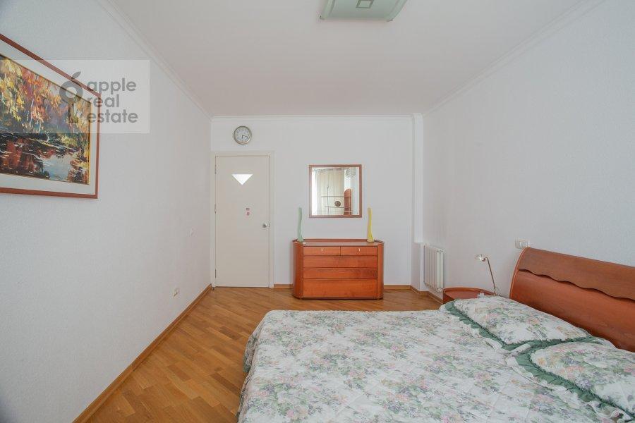 Bedroom of the 5-room apartment at Sergeya Makeeva 1