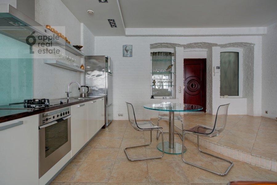 Кухня в 2-комнатной квартире по адресу Староконюшенный переулок 33