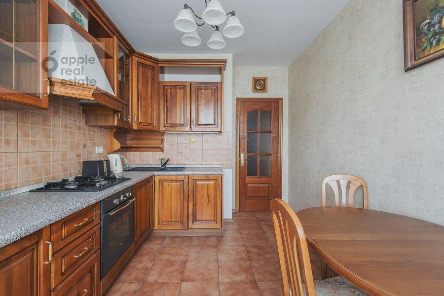 Кухня в 4-комнатной квартире по адресу Лесная ул. 45
