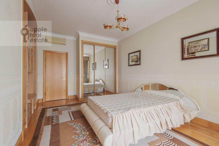 Спальня в 5-комнатной квартире по адресу Минская ул. 1А