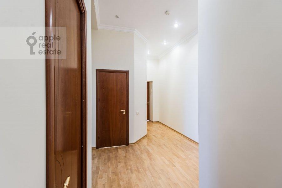 Коридор в 5-комнатной квартире по адресу Тверская ул. 6с6