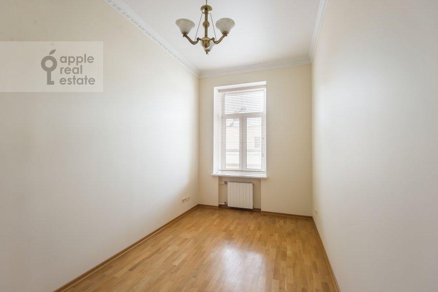 Детская комната / Кабинет в 5-комнатной квартире по адресу Тверская ул. 6с6