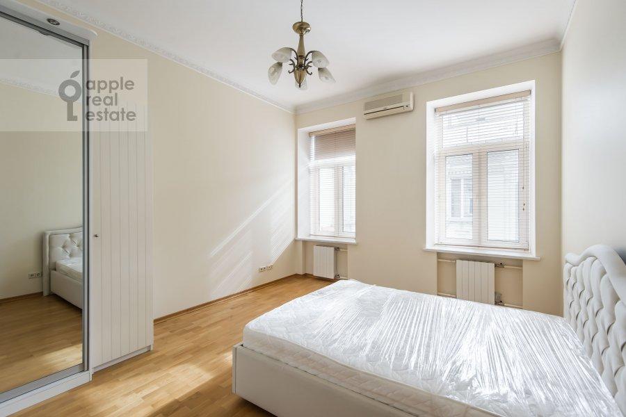 Спальня в 5-комнатной квартире по адресу Тверская ул. 6с6