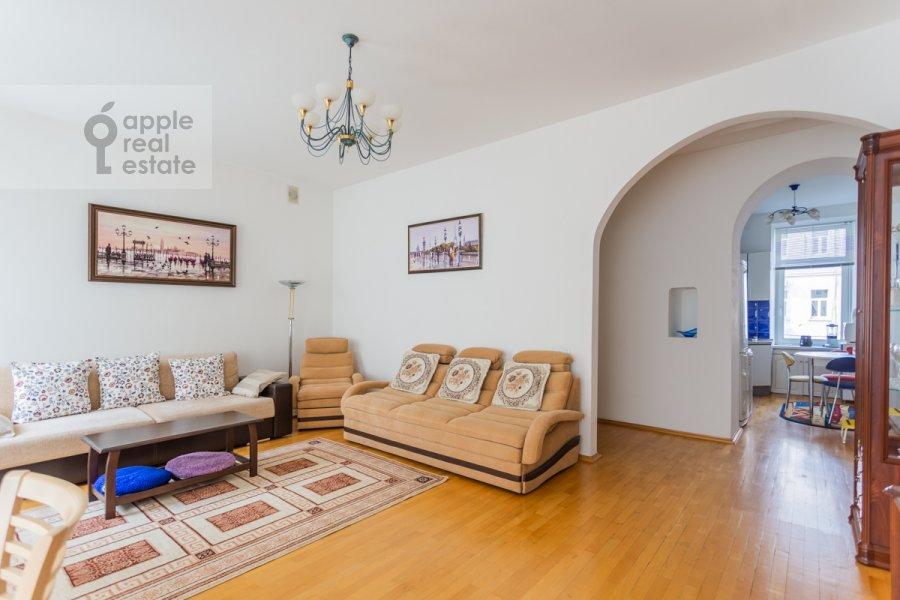 Living room of the 3-room apartment at Tverskaya ulitsa 6s3