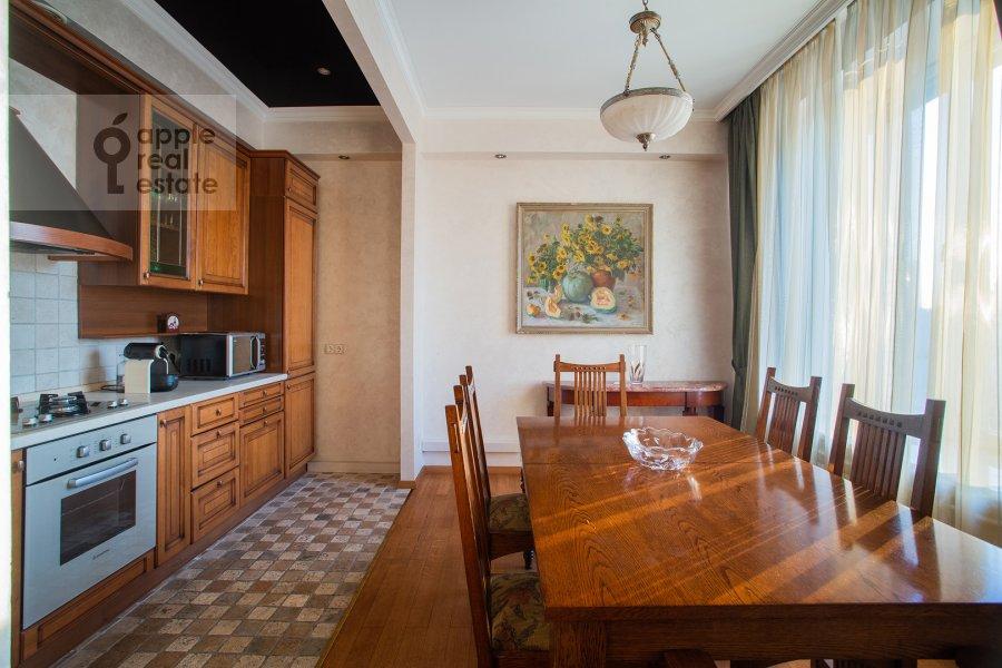 Кухня в 3-комнатной квартире по адресу Арбат ул. 51с1