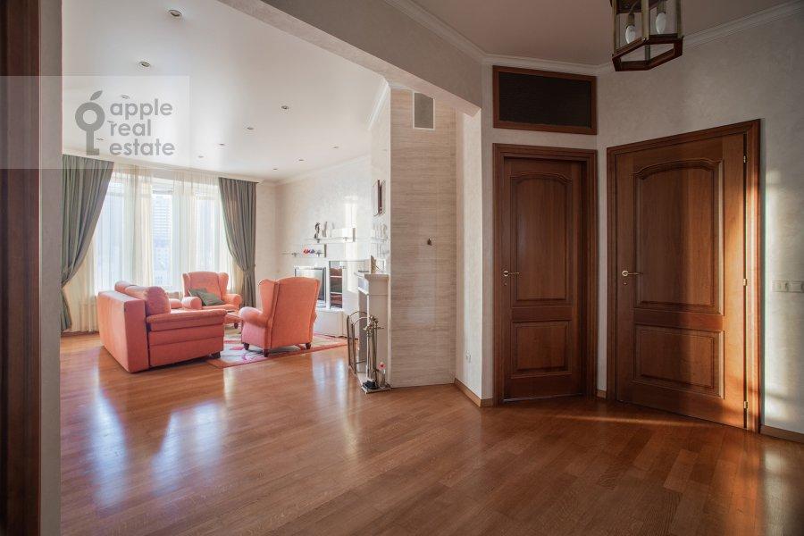 Гостиная в 3-комнатной квартире по адресу Арбат ул. 51с1