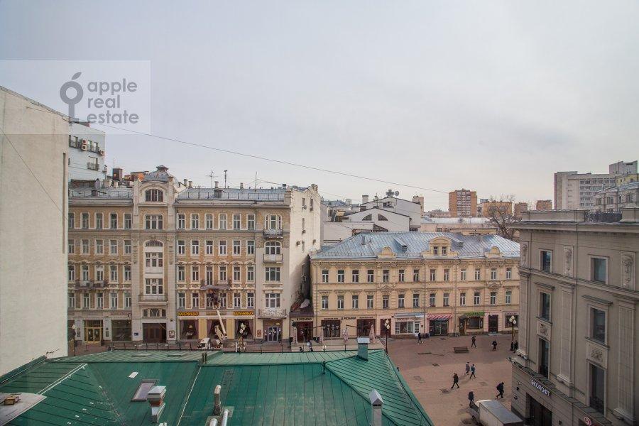 Вид из окна в 3-комнатной квартире по адресу Николопесковский Малый пер. 4