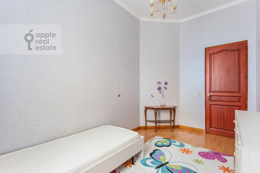 Детская комната / Кабинет в 4-комнатной квартире по адресу Армянский пер. 7
