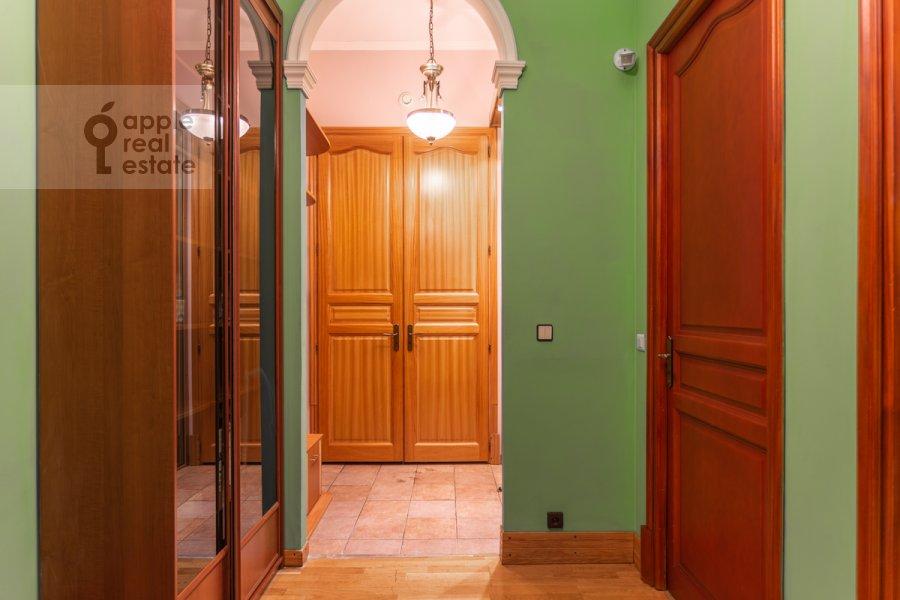 Corridor of the 4-room apartment at Armyanskiy per. 7