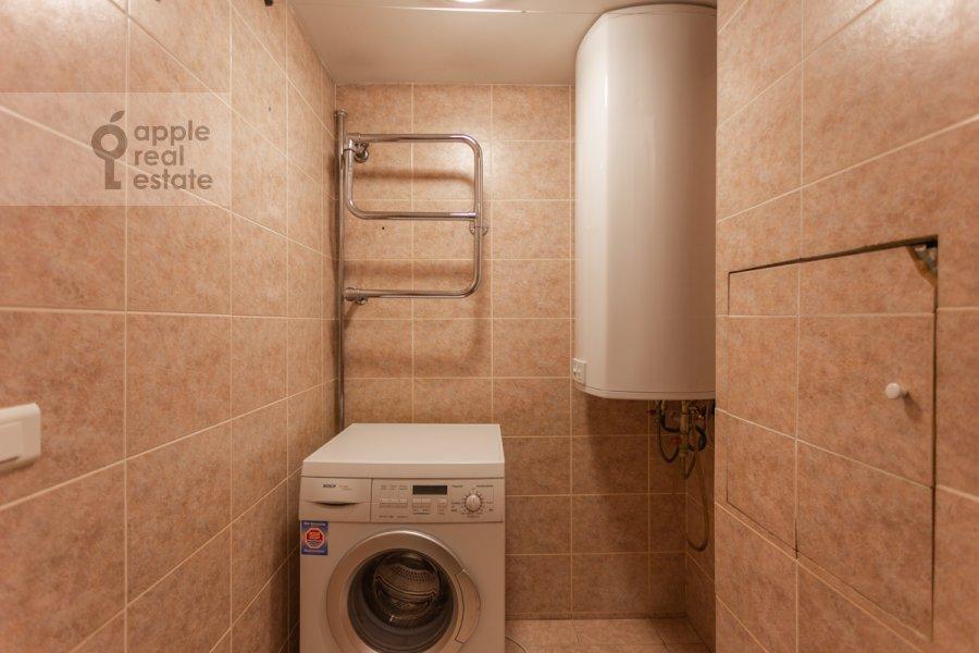 Гардеробная комната / Постирочная комната / Кладовая комната в 4-комнатной квартире по адресу Армянский пер. 7