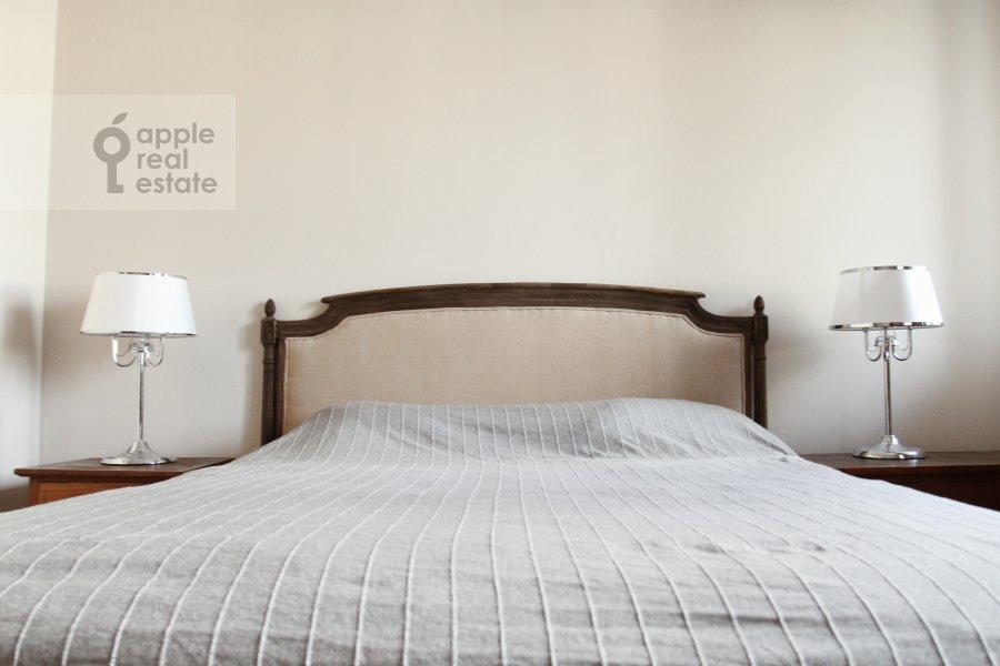 Спальня в 3-комнатной квартире по адресу Милютинский пер. 3
