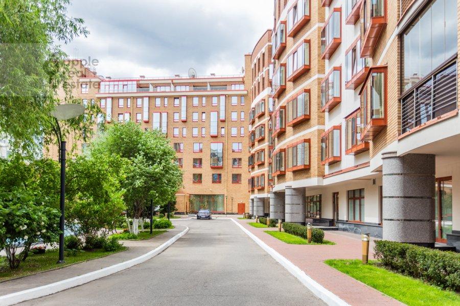 Photo of the house of the 4-room apartment at Ozerkovskaya nab. 26