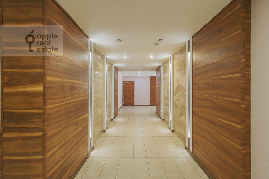 Corridor of the 4-room apartment at Ozerkovskaya nab. 26