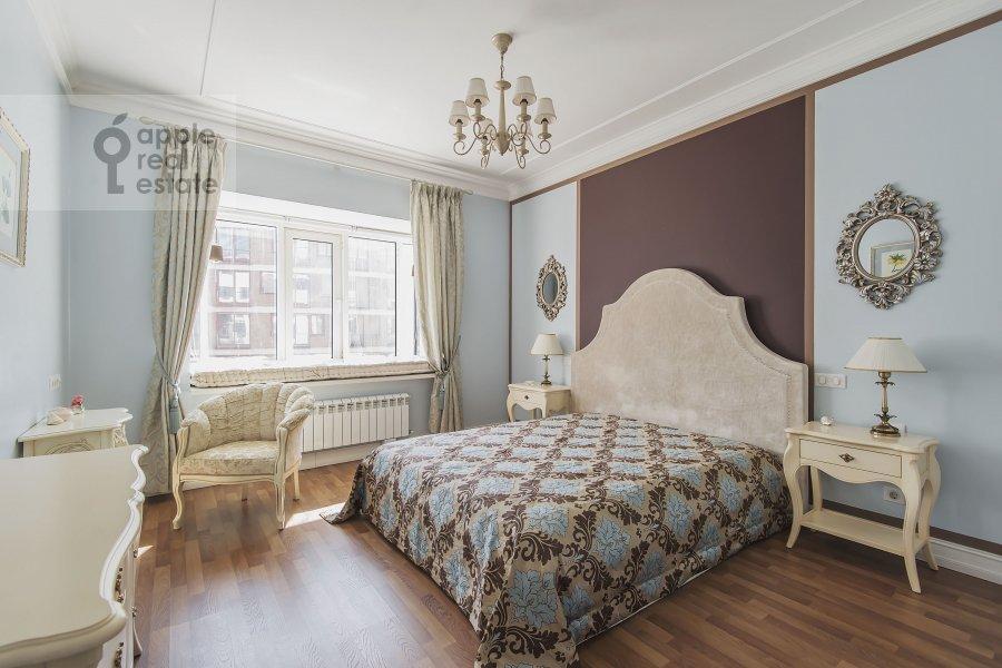Bedroom of the 4-room apartment at Ozerkovskaya nab. 26