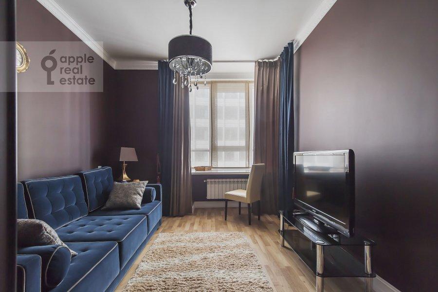Children's room / Cabinet of the 4-room apartment at Ozerkovskaya nab. 26
