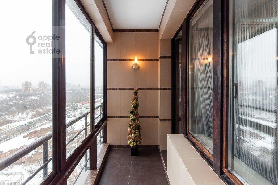 Balcony / Terrace / Loggia of the 4-room apartment at Davydkovskaya ulitsa 16