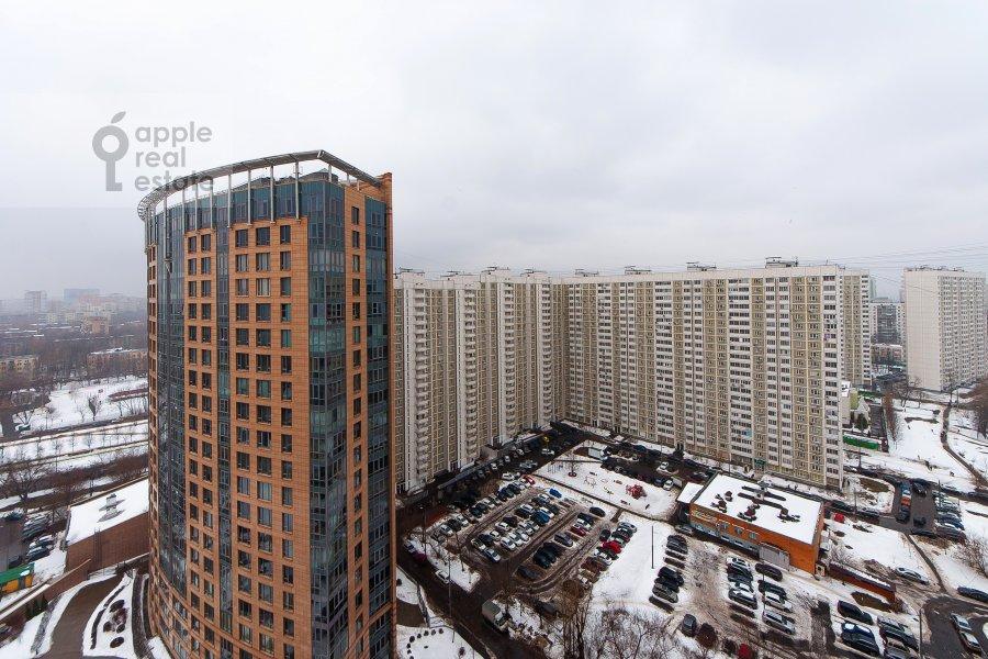 View from the window of the 4-room apartment at Davydkovskaya ulitsa 16