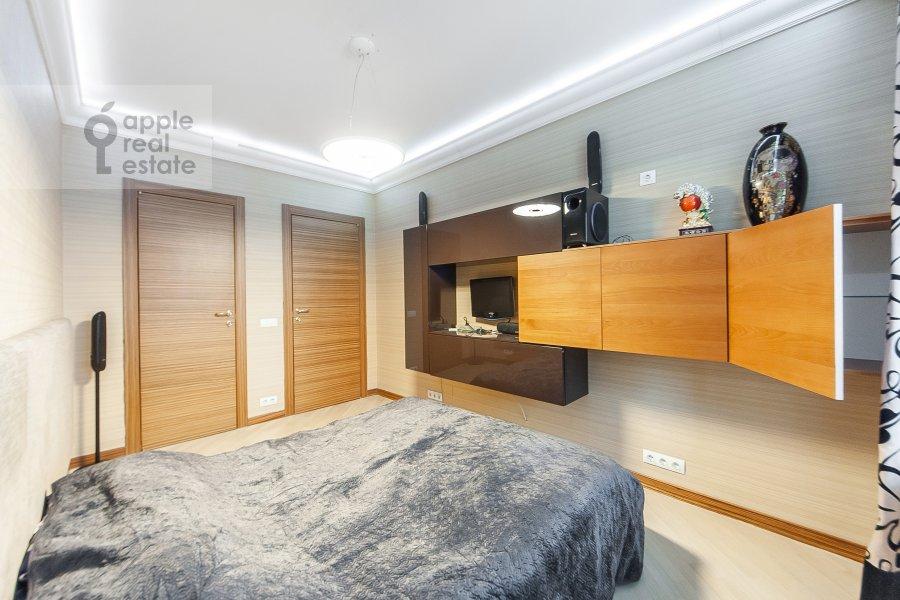 Bedroom of the 4-room apartment at Davydkovskaya ulitsa 16