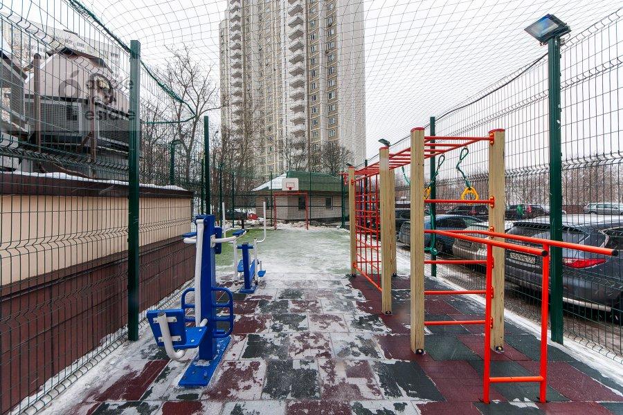 4-room apartment at Davydkovskaya ulitsa 16