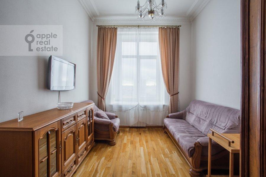 Living room of the 2-room apartment at Kudrinskaya pl. 1