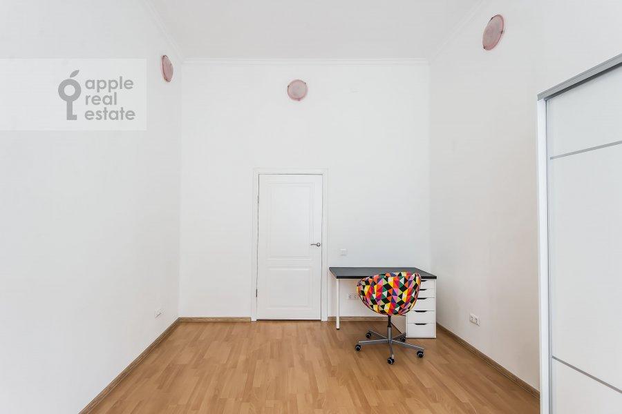 Спальня в 6-комнатной квартире по адресу Мясницкая улица 15