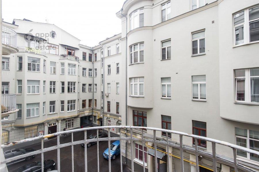Вид из окна в 6-комнатной квартире по адресу Мясницкая улица 15