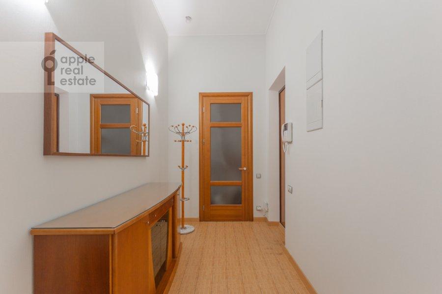 Коридор в 5-комнатной квартире по адресу Тверская ул. 28с1