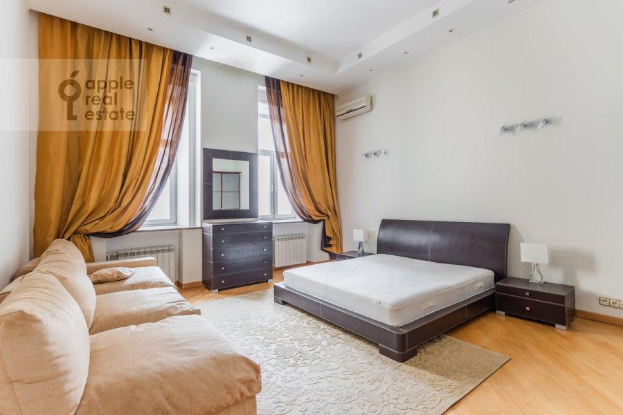 Спальня в 5-комнатной квартире по адресу Тверская ул. 28с1