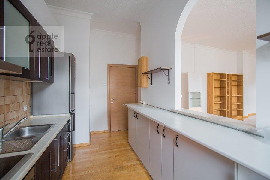 Кухня в 4-комнатной квартире по адресу Последний пер. 19