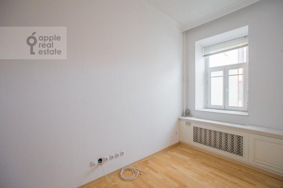 Спальня в 4-комнатной квартире по адресу Последний пер. 19