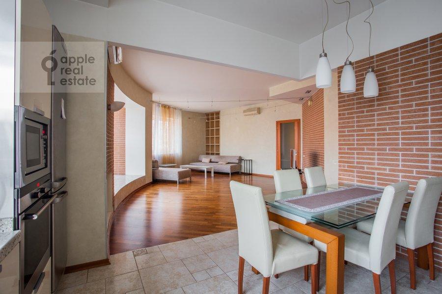Кухня в 4-комнатной квартире по адресу Красная Пресня ул. 7