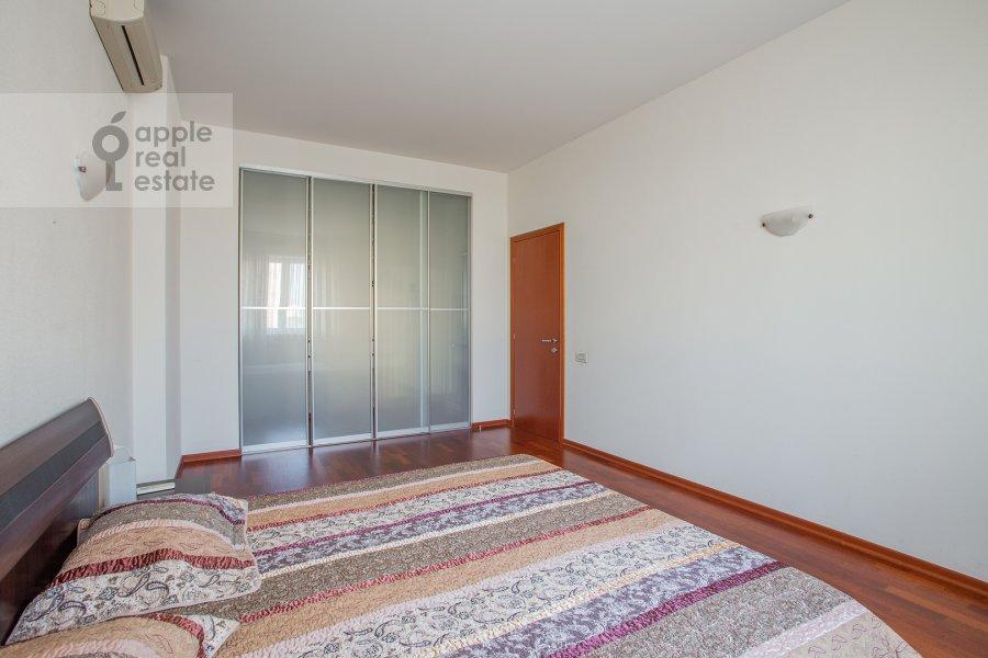 Спальня в 4-комнатной квартире по адресу Красная Пресня ул. 7