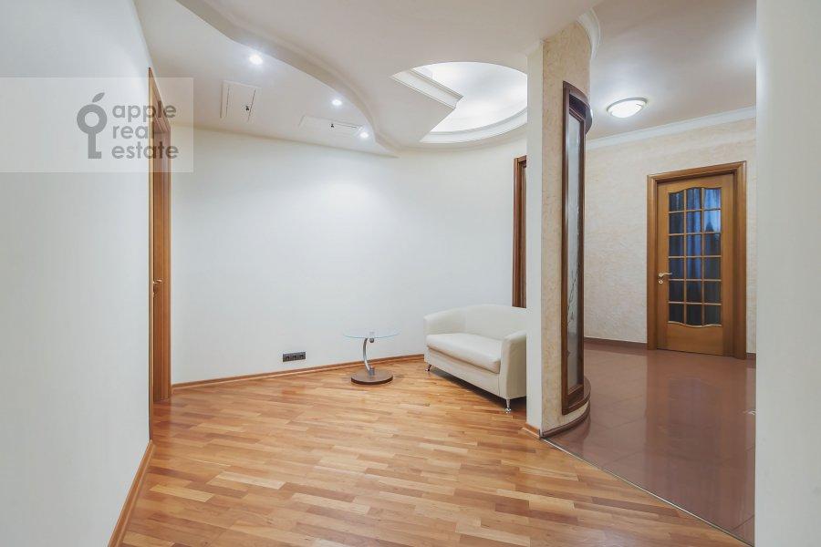Коридор в 4-комнатной квартире по адресу Самотечный 3-й пер. 11с2