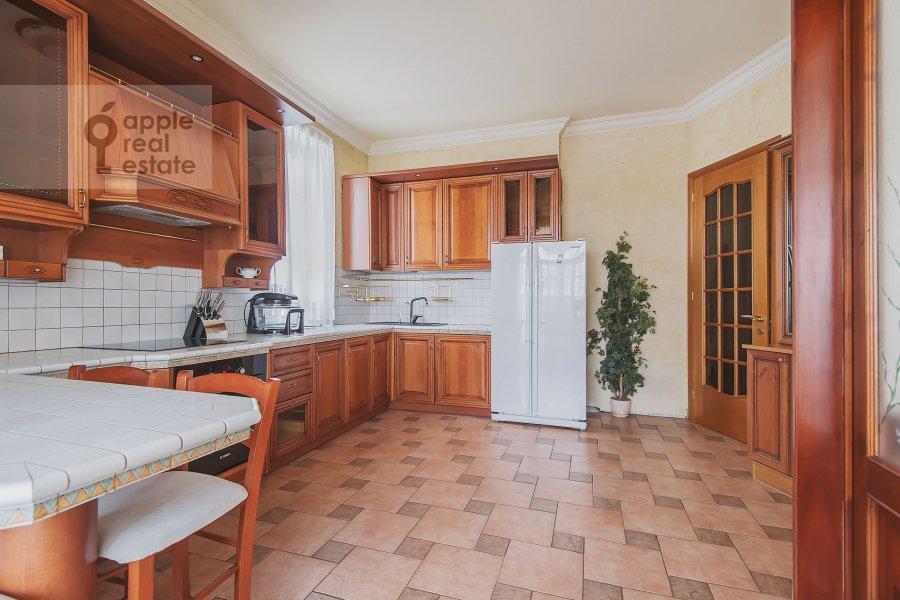 Кухня в 4-комнатной квартире по адресу Самотечный 3-й пер. 11с2