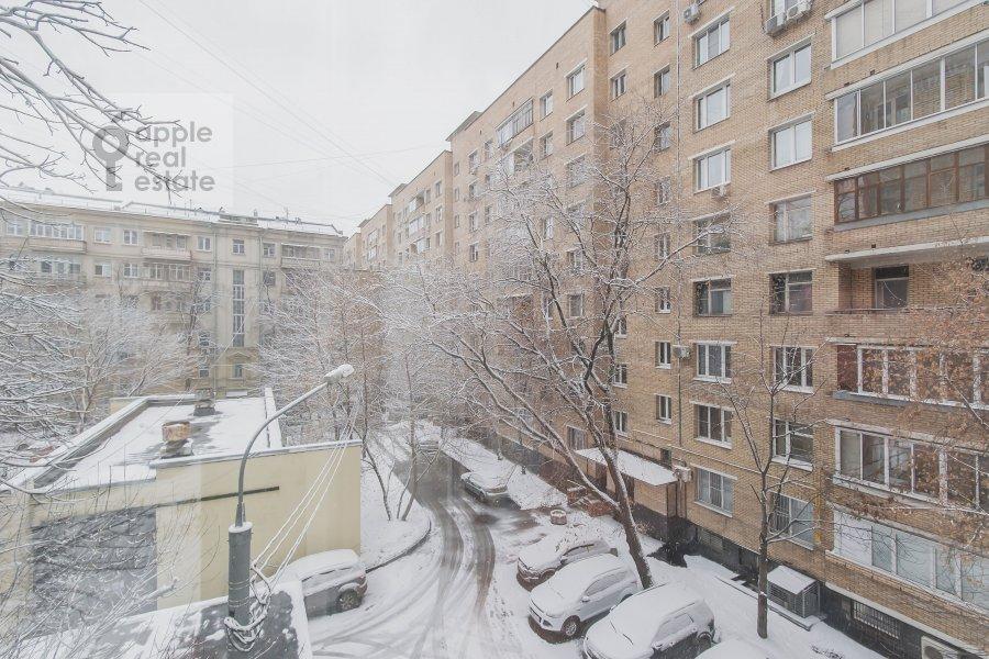Вид из окна в 4-комнатной квартире по адресу Самотечный 3-й пер. 11с2