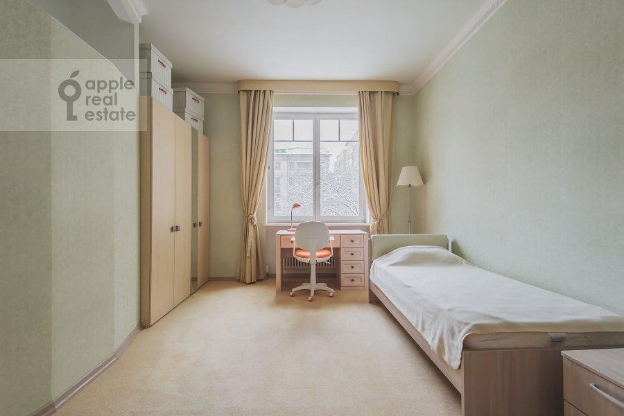 Детская комната / Кабинет в 4-комнатной квартире по адресу Самотечный 3-й пер. 11с2