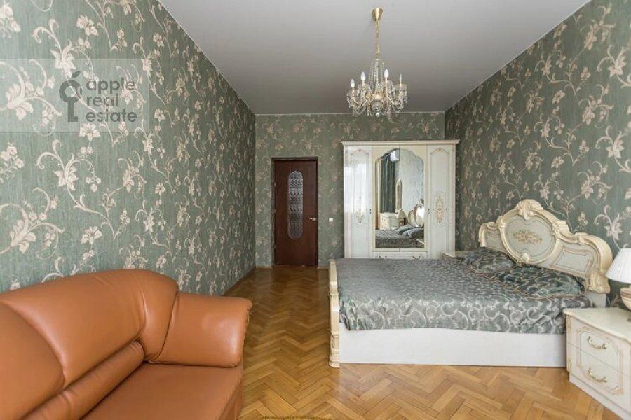 Bedroom of the 3-room apartment at Obolenskiy per. 7