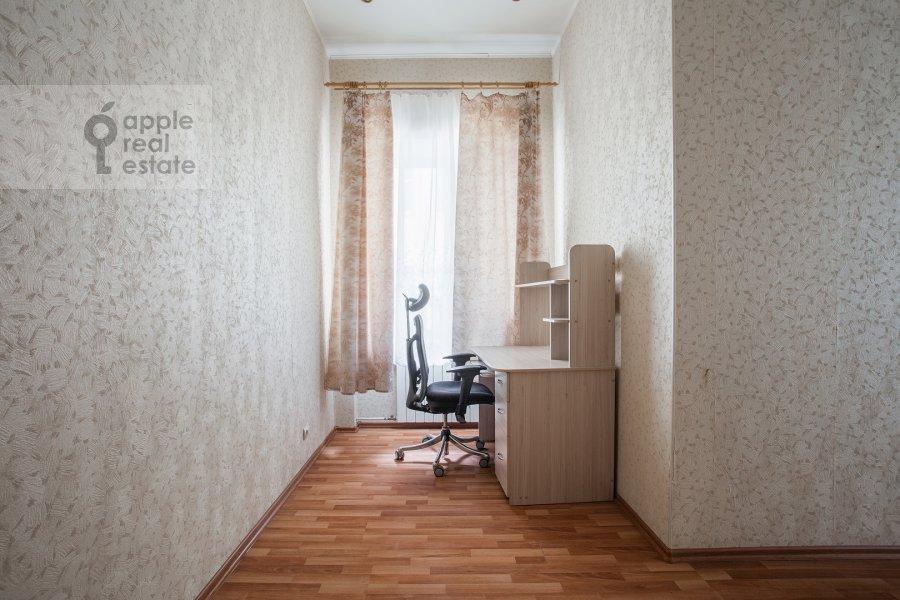 Детская комната / Кабинет в 4-комнатной квартире по адресу Климентовский пер. 6