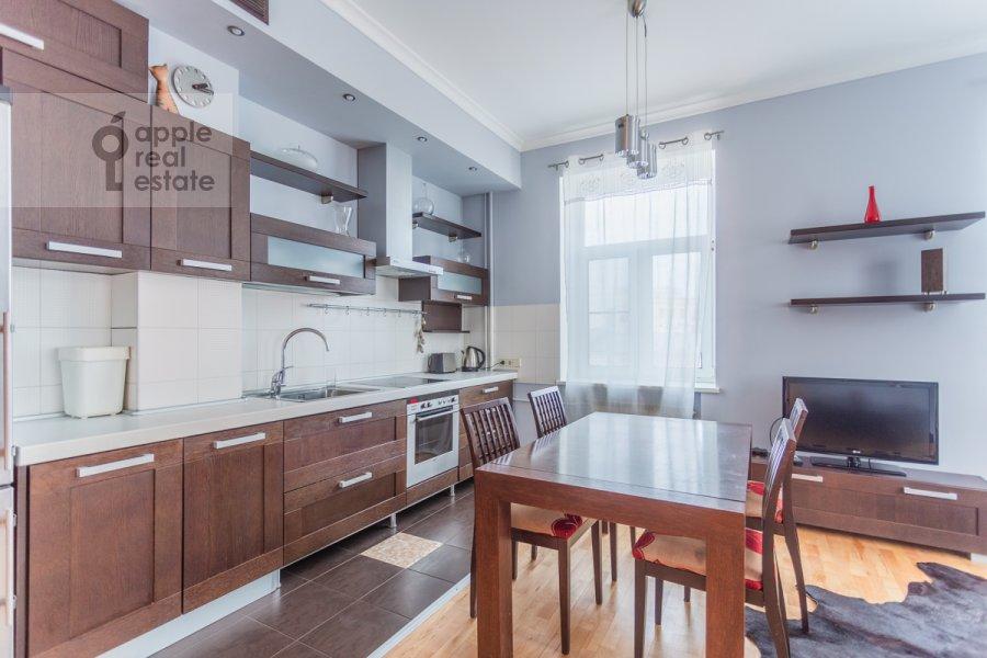Кухня в 3-комнатной квартире по адресу Большая Бронная улица 7