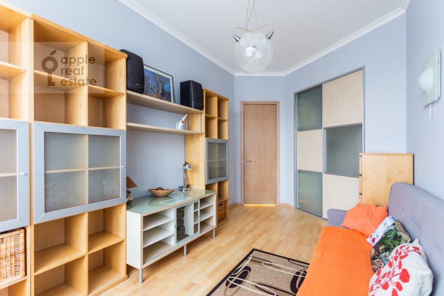 Детская комната / Кабинет в 3-комнатной квартире по адресу Большая Бронная улица 7