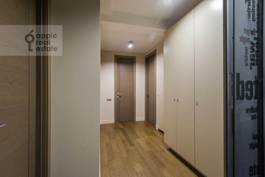 Corridor of the 5-room apartment at Bol'shoy Patriarshiy pereulok 8