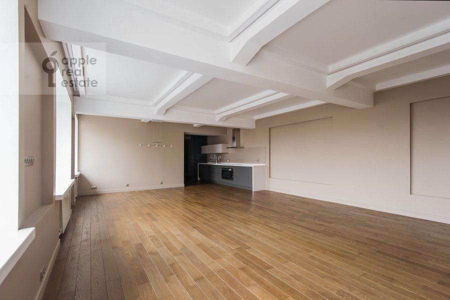 Living room of the 5-room apartment at Bol'shoy Patriarshiy pereulok 8